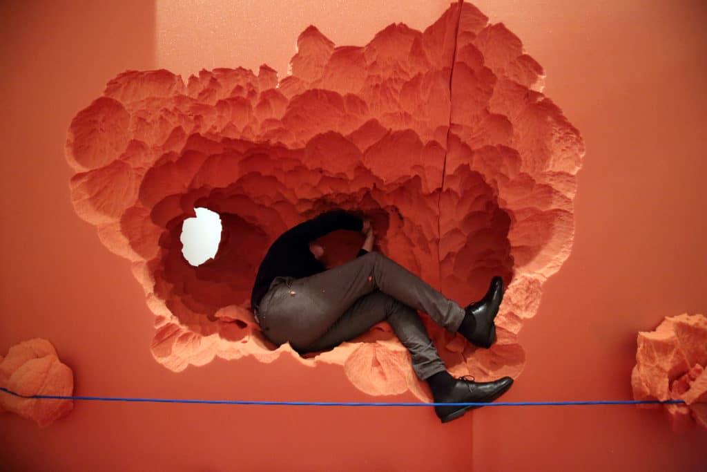 Standbild Raum-Skulptur von Josef Trattner -  inside out