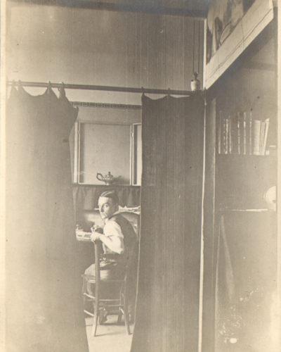 kiesler-portrait-vienna-1920